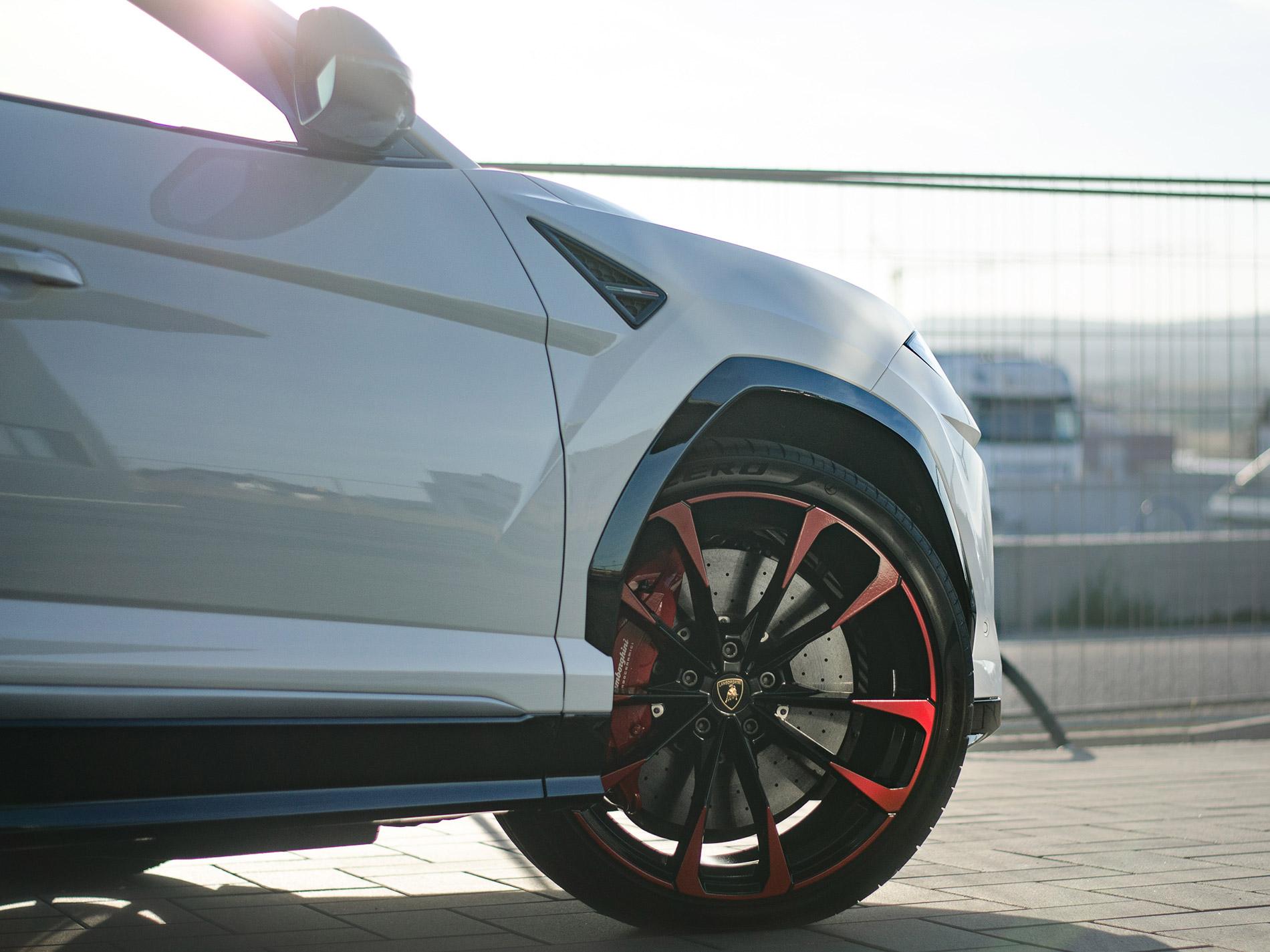 Lamborghini Urus 8